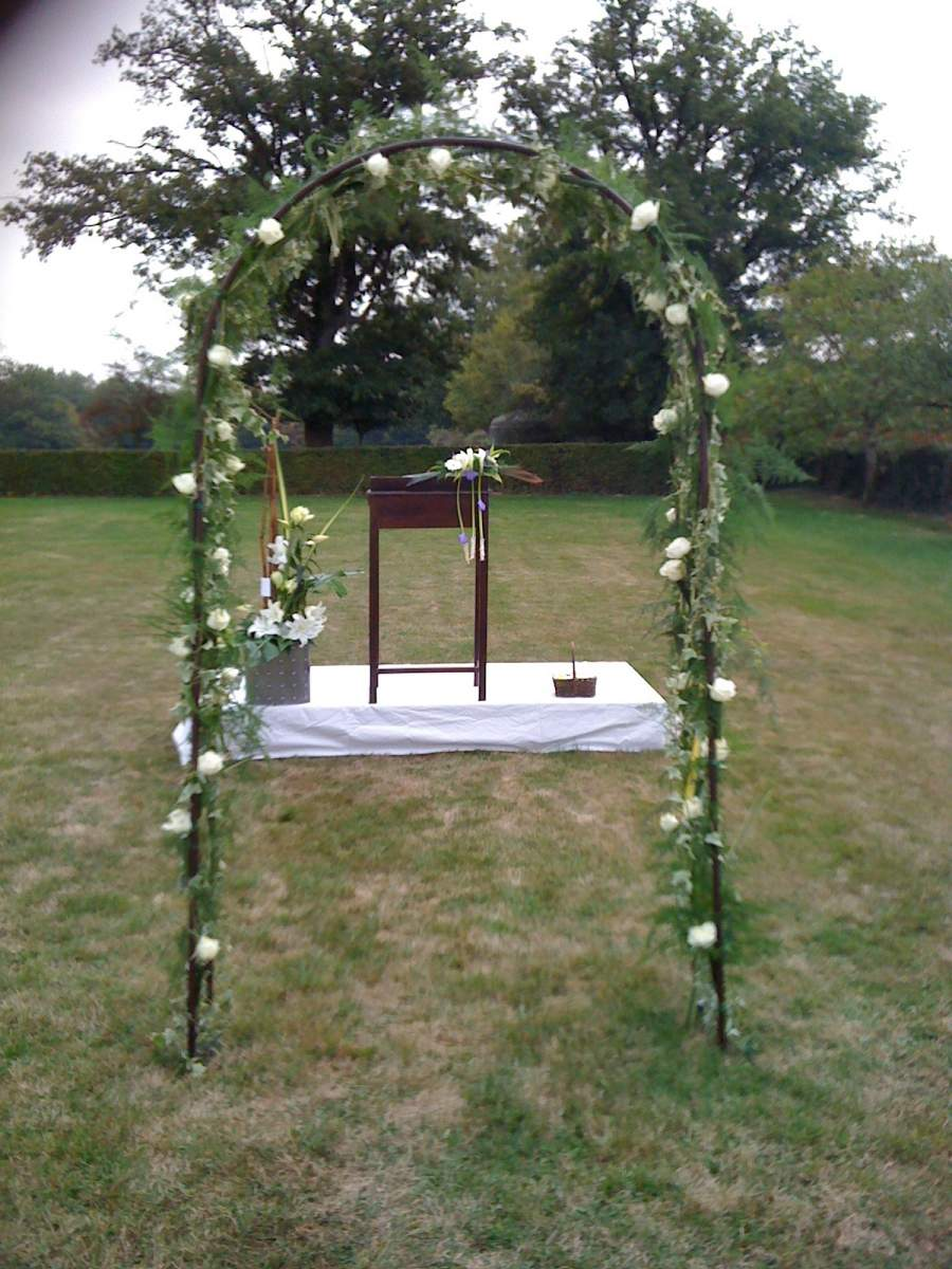 arche de fleurs pour c r monie rh ne alpes vente de fleurs et bougies meyzieu fleurs et style. Black Bedroom Furniture Sets. Home Design Ideas