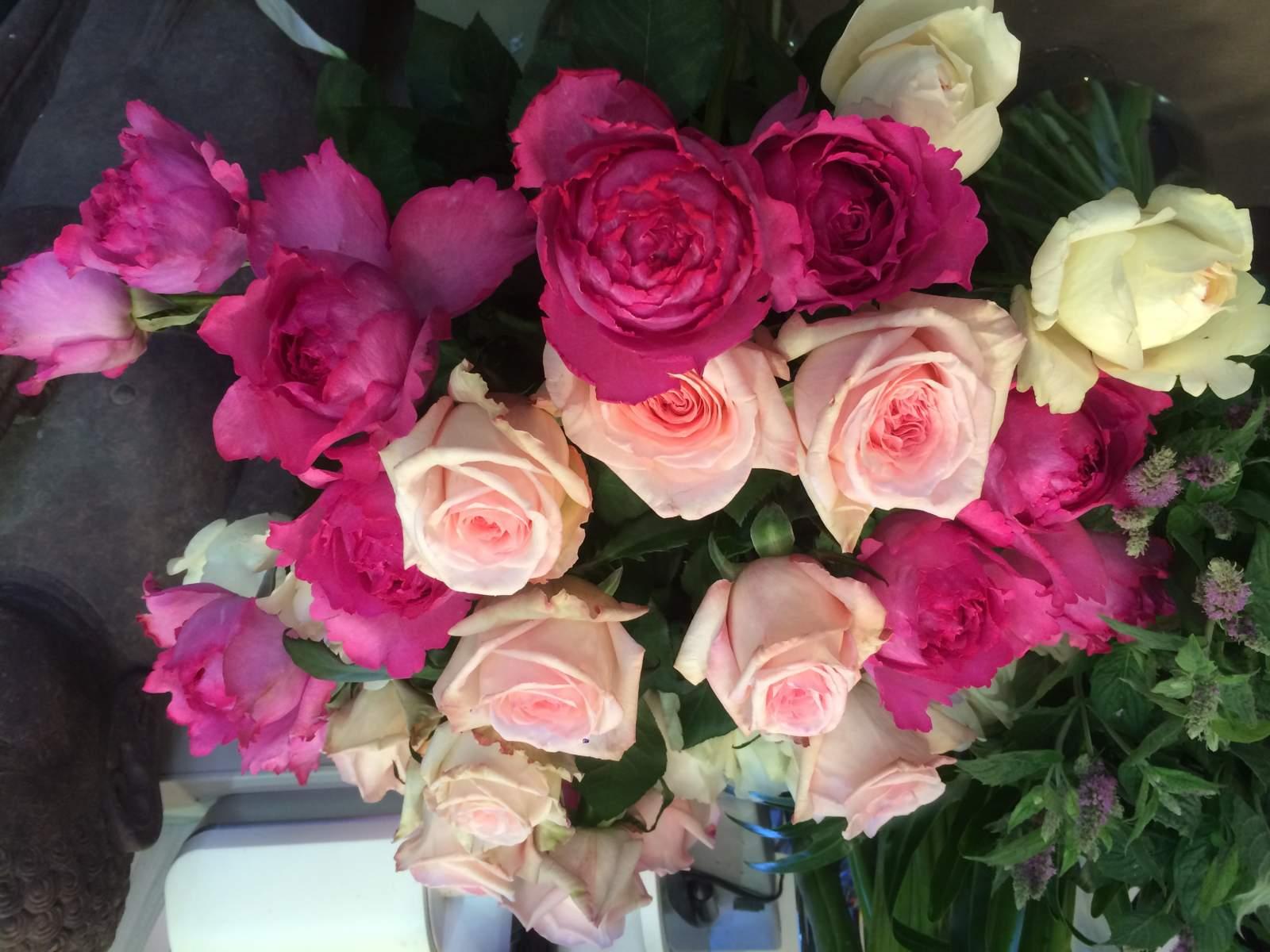 Livraison de bouquets de fleurs domicile proche de lyon for Livraison bouquet de fleurs a domicile
