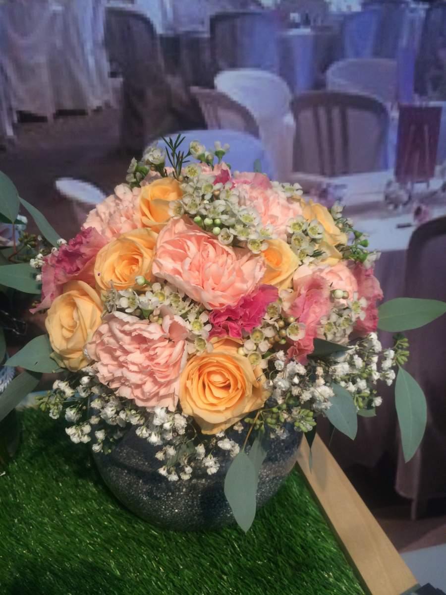 bouquet champetre pour mariage voici la fleur de wax parfaite pour donner une petite touche. Black Bedroom Furniture Sets. Home Design Ideas